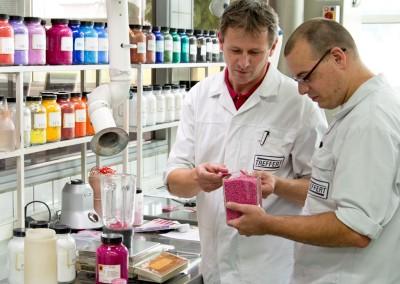 Qualität und Präzision bei der Entwicklung im Labor