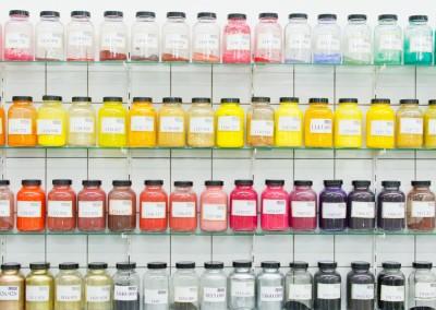 Wir bieten Einfärbungen in jedem Farbton, fragen Sie einfach online an